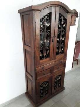 Mueble bar rustico con forja