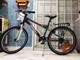 Bicicleta mountain bike de aluminio sin uso rodado 26 con supension shimano
