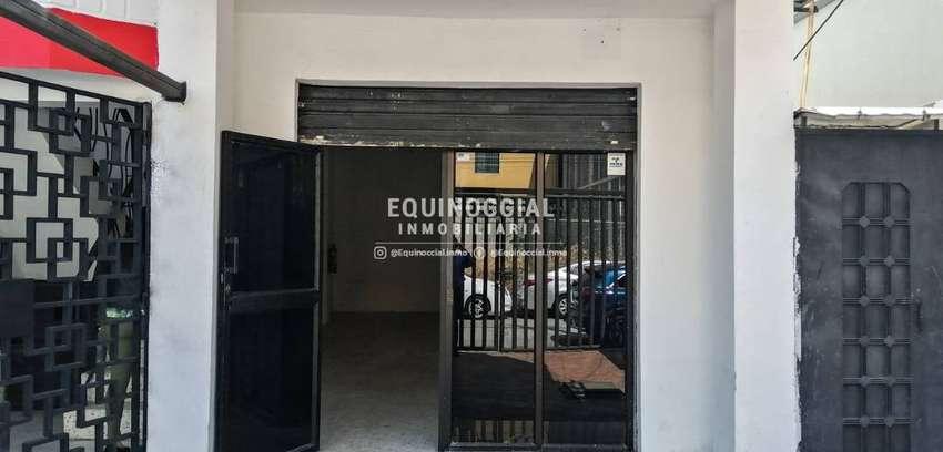 Alquiler de oficina amplia y planta baja en kennedy Norte 0