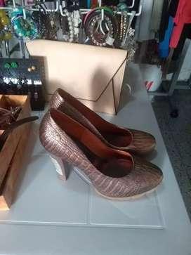 1 zapatos ocre talla 40