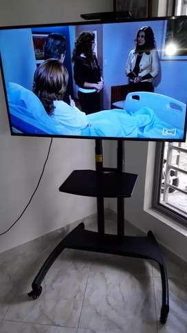 Base para televisor en excelente estado