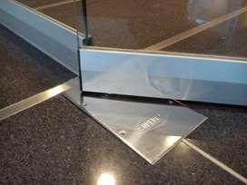 service y mantenimiento de puertas blindex