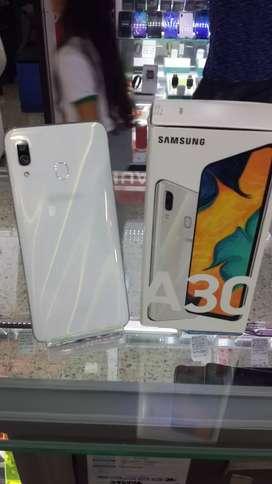 Samsung A30 blanco de 64 GB