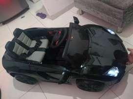 Carro montable eléctrico Lamborghini de 12v. A control y manual para niño de 1 a 5 años