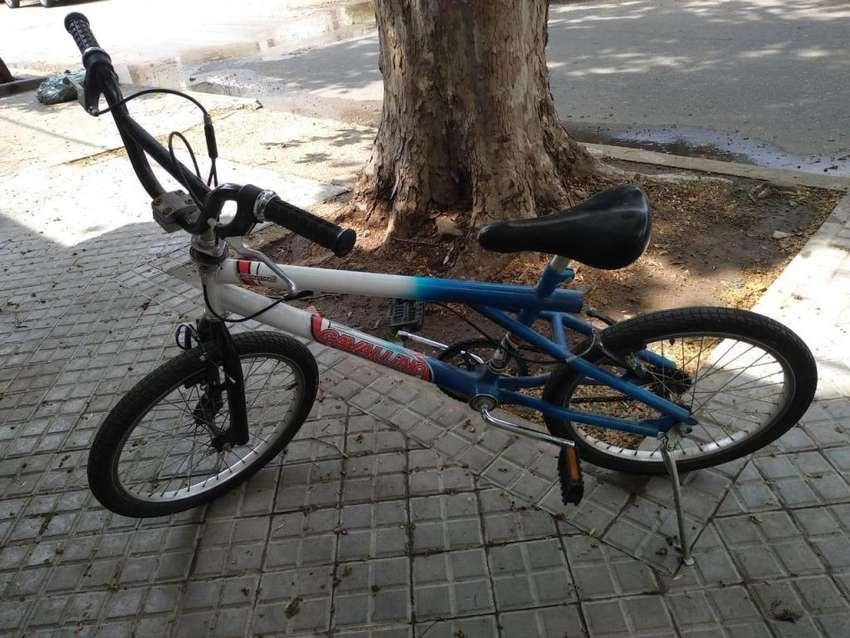 VENDO BICICLETA CAVALLINO AZUL Y BLANCA TIPO BMX 0