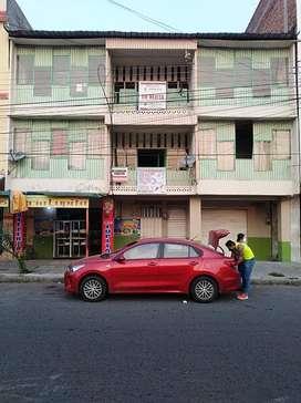 Vendo Casa Comercial de 3 plantas en Esmeraldas