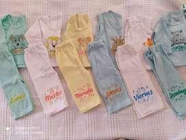 Se vende lote de ropa de bebe de 0-3 meses de muy poco uso