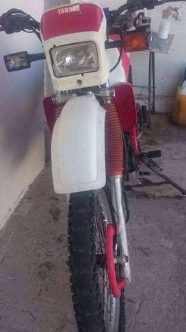 Vendo moto Yamaha XT350 1992