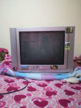 Vendo TV de 21'' marca LG