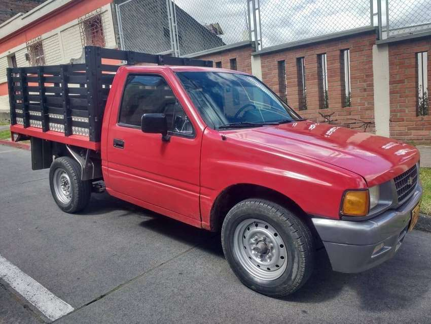 Camioneta chevrolet luv 1600 0