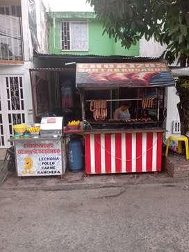 Se vende fabuloso negocio de comidas rápidas
