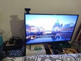 Vendo play station 3 PS3 ORIGINAL son flashear de 300 gb con control y juegos originales