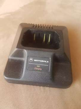 Base cargador radiotelefono Motorola Gp300 P110