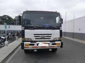 Se vende trailer Hyundai Hd 1000, modelo 2007, incluida plataforma botellera