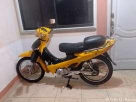 Vendo hermosa motoneta en buen estado