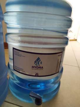 Reparto de bidones agua