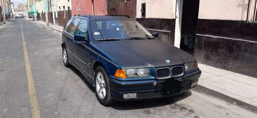 Station Wagon BMW 320i (1995) 0