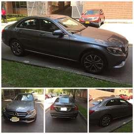 Vendo hermoso vehículo Mercedes Benz