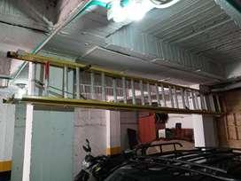 Escalera Dielectrica fibra de vidrio certificada de 24 peldaños usada