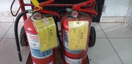 Matafuego, extintor, extinguidor 5kg con carga y prueba hidráulica recién hecha. 2 unidades disponibles.