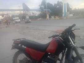 Por ocasion vendo moto honda 250 usado en buen estado