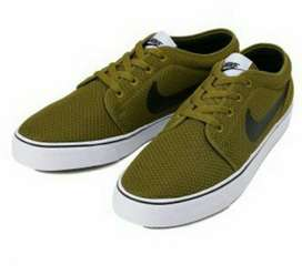 Nike Toki Low