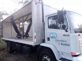 Se vende camion plataforma marca mercedes benz