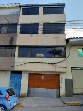 Alquilo casa de 04 pisos remodelado