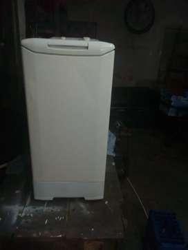 Lavarropas automático funcionando correctamente 6 kilos rpm 600 se vende con garantía de 3 meses