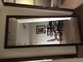 Espejo con marco de madera 2m X 0.90 mts