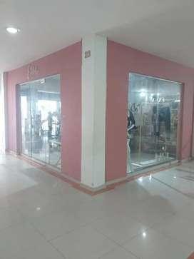Se vende o se arrienda local comercial en centro comercial santa catalina de Alejandría en turbaco BOLIVAR