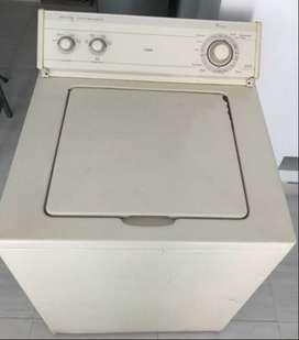 Se vende lavadora whirlpool