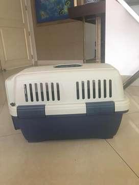 Jaula mediana para transportar mascotas