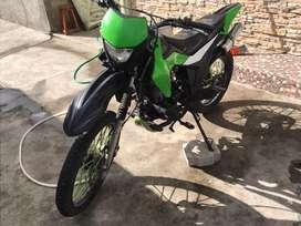Motor 1 250 CC
