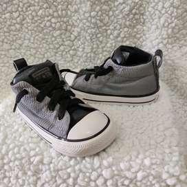 Tennis zapatos Converse de niño talla 22
