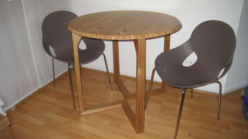 Mesa de Madera Comedor con 2 sillas 0