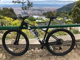 Bicicleta marca Trek, modelo X-Caliber 8 2020, Talla L color negro, grupo Xram eagle