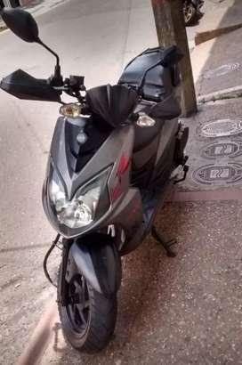 Vendo hermosa moto AKT JET 5 R 150cc 2016