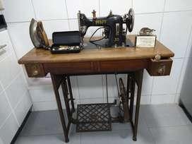 Maquina De Cocer Antigua Con Mesa