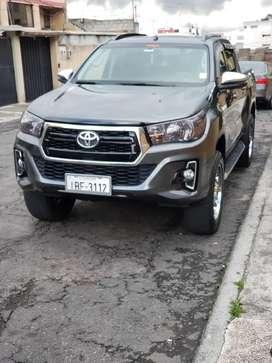 Toyota Hilux 4X4 SR 2020