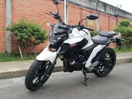 Se vende Yamaha FZ25 250 (Se recibe moto)