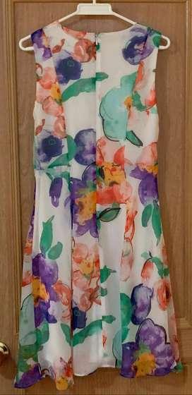 Vestido estampado de flores.