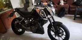KTM Duke 200 negociable