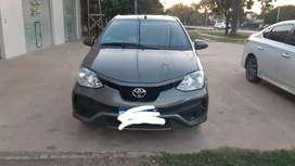 Vendo Toyota etios 5 puertas con baul. Unico dueño