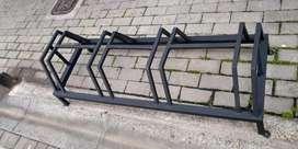 Bicicletero de 4 puestos en tubo cuadrado