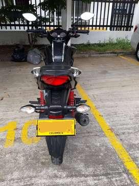 Se vende moto cb125f año 2020