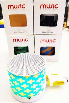 Mini Parlante Bluetooth con luces. Lee tarjeta micro SD y Pendrive