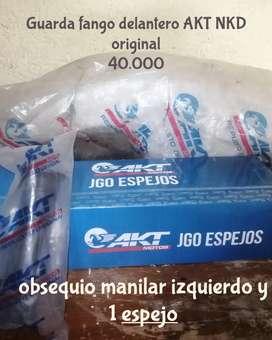 Guardafango delantero AKT NKD original