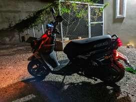 Se vende Motoneta Axxo Viper 180