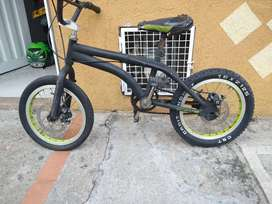 Bicicleta económica con doble freno de disco